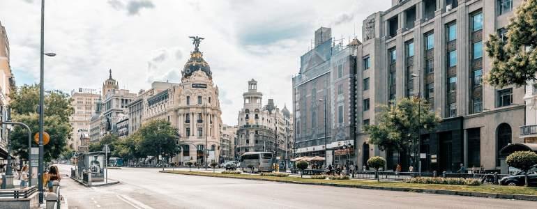 Consigue cita previa para declaración de la renta en Madrid por Internet en dos sencillos pasos.