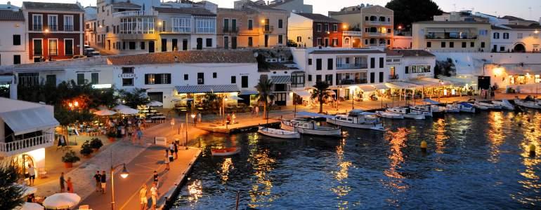 Obtener cita previa para renovar pasaporte en Islas Baleares por Internet o físicamente.